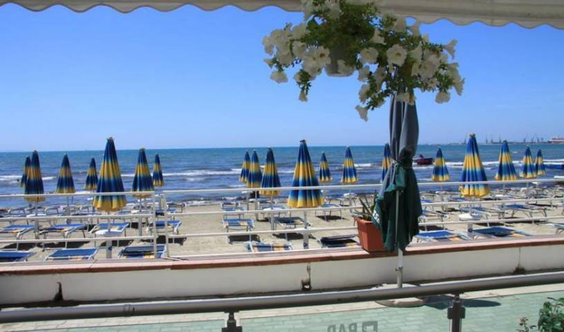 Vivas Hotel - Search available rooms for hotel and hostel reservations in Durres 7 photos
