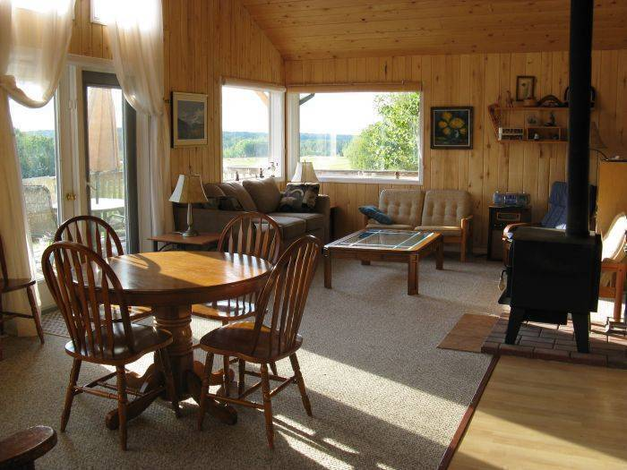 Hidden Springs Retreat and Guest House, Winfield, Alberta, Alberta hotels and hostels