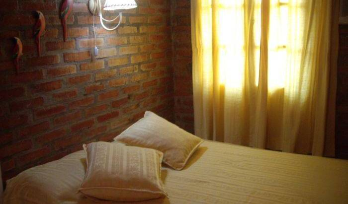 Azaleas Place Guest House - Get cheap hostel rates and check availability in Puerto Iguazu 12 photos