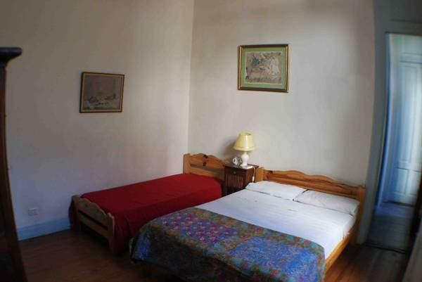 San Telmo Guesthouse, Buenos Aires, Argentina, book hostels and backpackers now with IWBmob in Buenos Aires