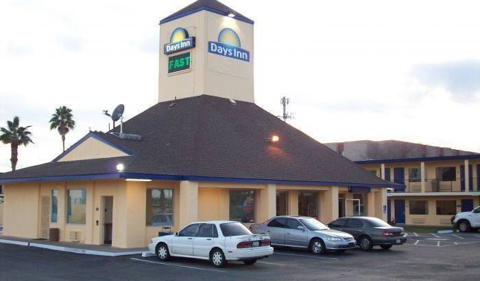 Days Inn Phoenix Metro Center 4 photos