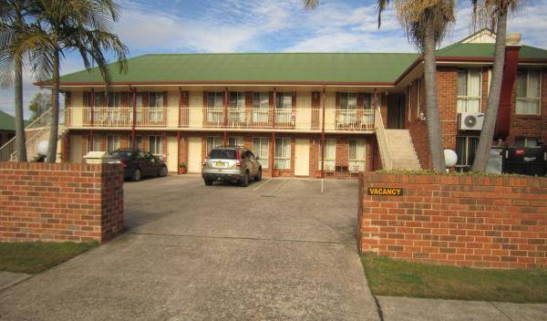 Aussie Rest Motel - Search for free rooms and guaranteed low rates in Cessnock-Hunter Valley, AU 5 photos