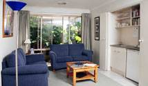 Bellevue Bed And Breakfast Mclaren Vale, what is a bed and breakfast? Ask us and book now 4 photos