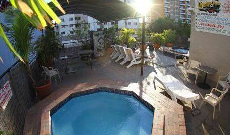 Chilli's Backpackers - Search available rooms for hotel and hostel reservations in Darwin, everything you need for your vacation 6 photos