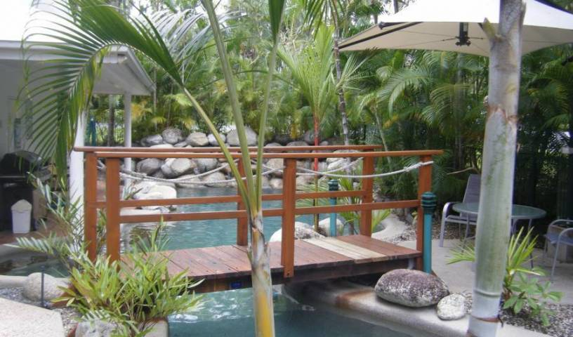 Coral Apartments Port Douglas - Get low hotel rates and check availability in Port Douglas 11 photos