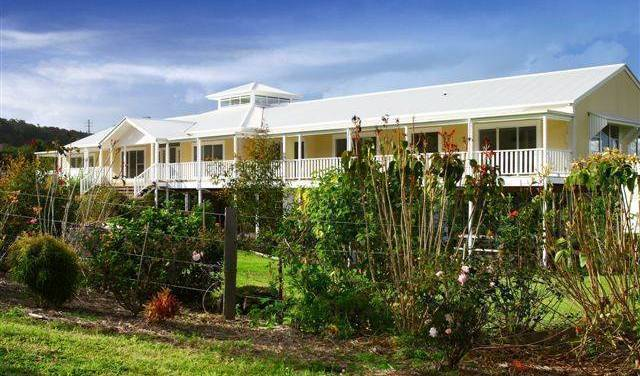 Isla Park Backpacker Accommodation - Get low hotel rates and check availability in Sunshine Coast 1 photo