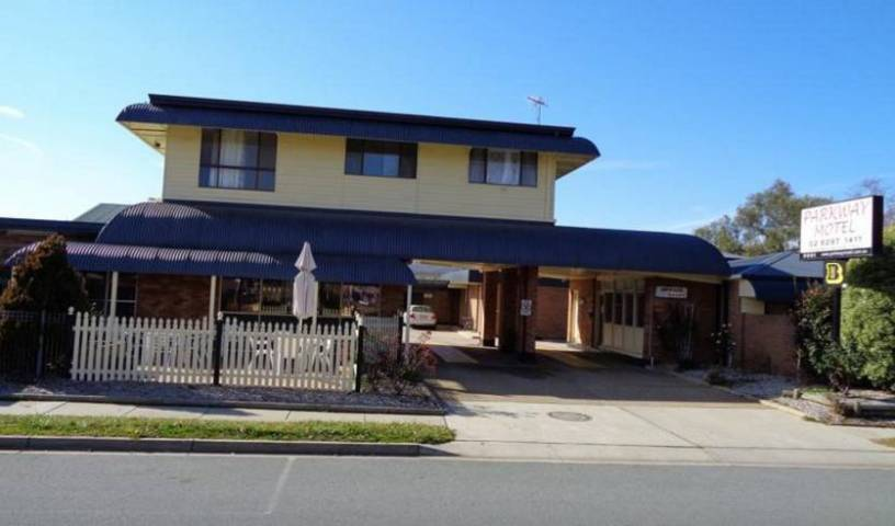 Parkway Motel - Search available rooms for hotel and hostel reservations in Queanbeyan 10 photos