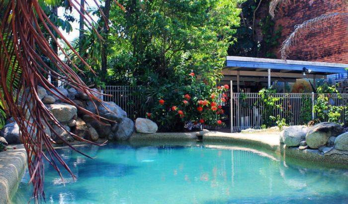 Reef Backpackers - Search available rooms for hotel and hostel reservations in Cairns 6 photos