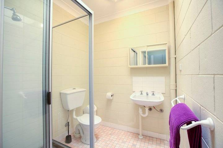 Foreign Exchange Accommodation Beachside, Townsville, Australia, hotels near hiking and camping in Townsville