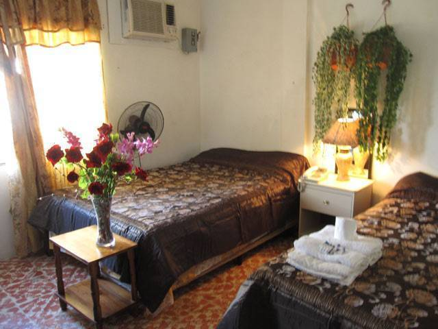 Bachelor Inn, Belize City, Belize, hotels and hostels for sharing a room in Belize City