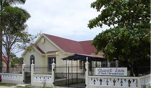 Guest Inn - Search available rooms and beds for hostel and hotel reservations in Belize City 1 photo