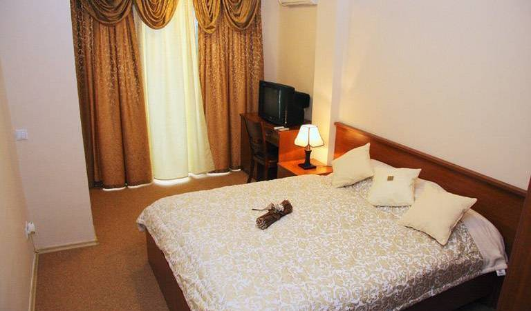 Pansion Harmony - Search for free rooms and guaranteed low rates in Sarajevo 5 photos