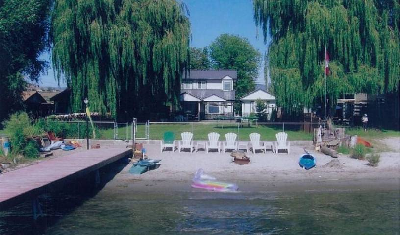 Lakeshore Paradise B and B - Search for free rooms and guaranteed low rates in Vernon 22 photos