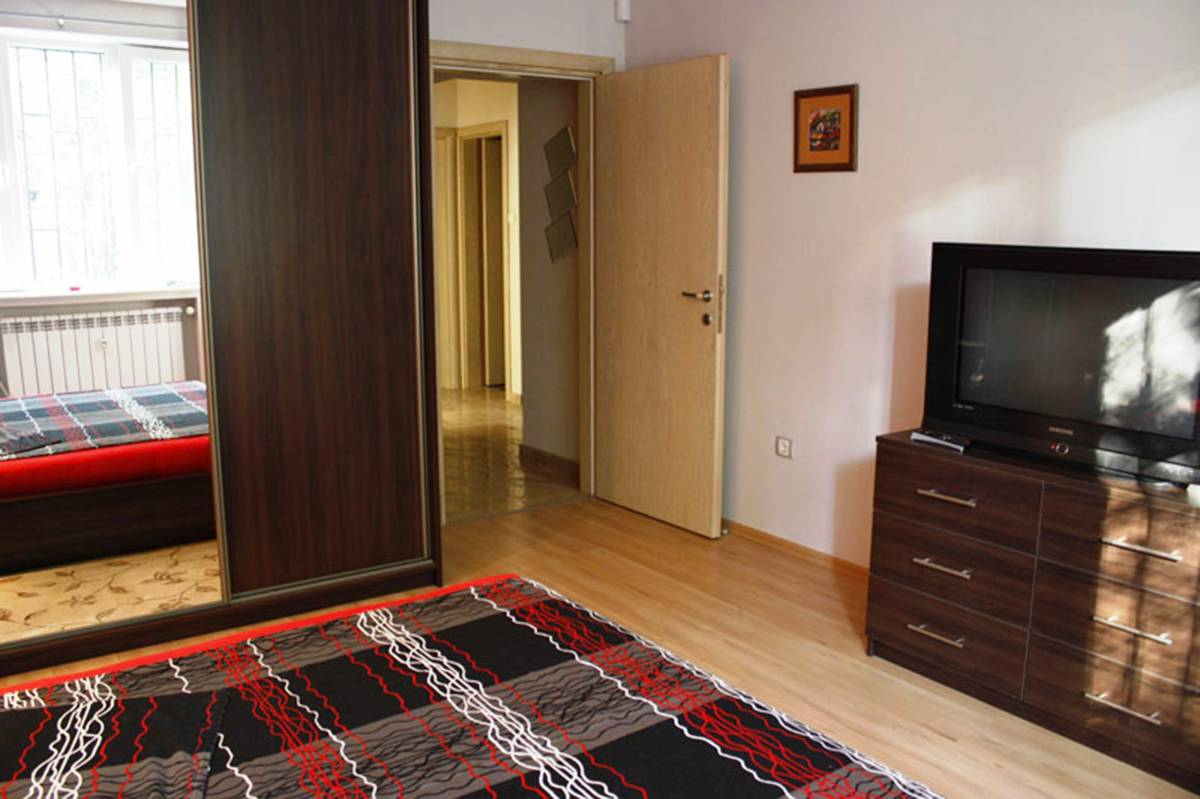 Holiday Apartment-3, Sofia, Bulgaria, compare with the world's largest travel websites in Sofia