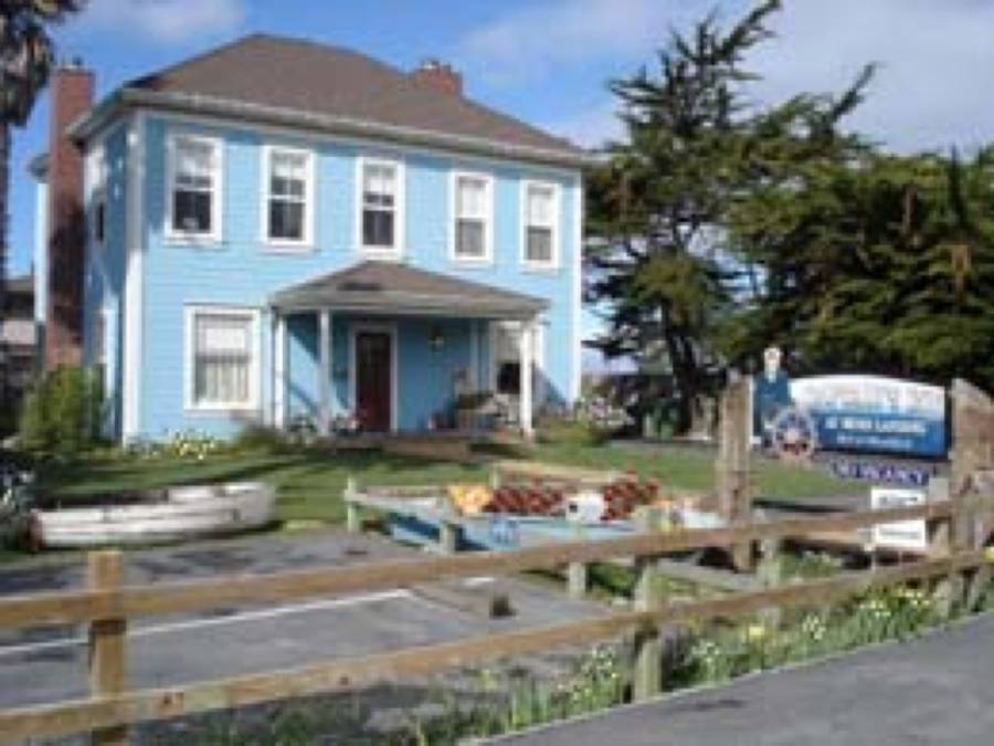 Captain's Inn At Moss Landing, Moss Landing, California, California hotels and hostels