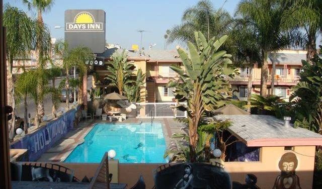 Days Inn Walk Of Fame-Universal Studios - Search for free rooms and guaranteed low rates in Hollywood 2 photos
