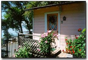 Gingerbread Cottages Bed And Breakfast, Nice, California, best hotels for solo travellers in Nice