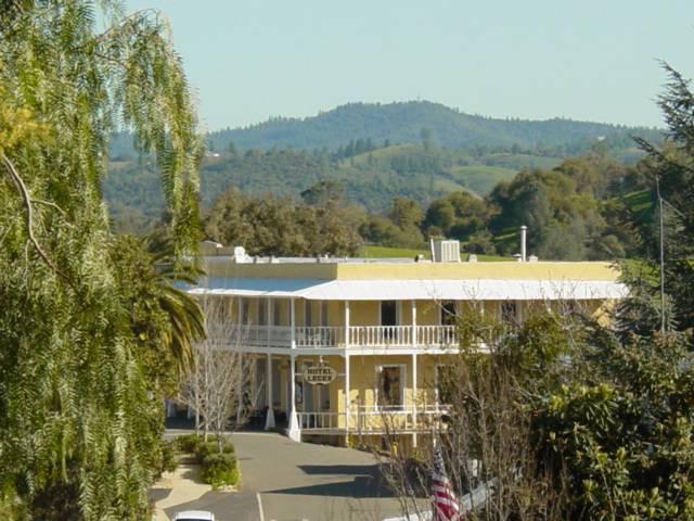 Historic Hotel Leger Inn and Restaurant, Mokelumne Hill, California, California hotels and hostels