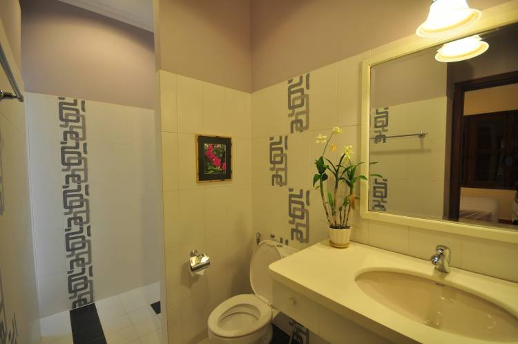 La Villa Coloniale, Siem Reap, Cambodia, find cheap hotels and rooms at Instant World Booking in Siem Reap