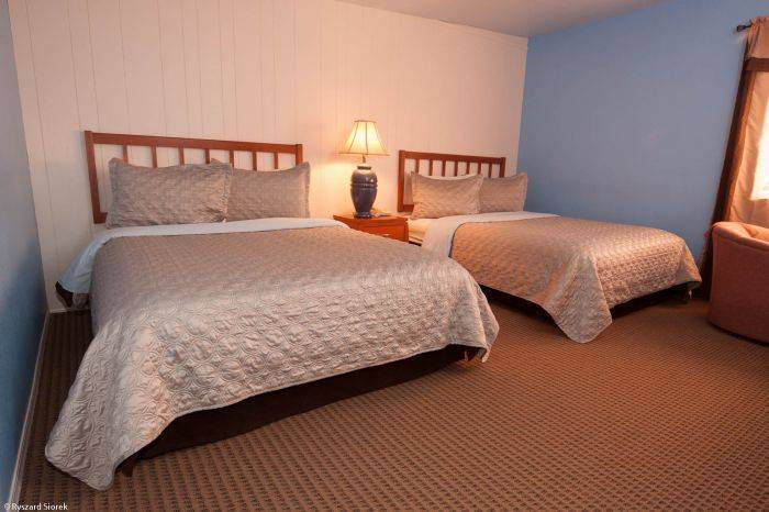 Valley Hi Motel, Winter Park, Colorado, backpacking and cheap lodging in Winter Park