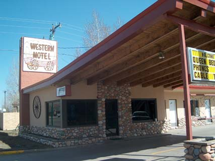 Western Motel, Gunnison, Colorado, hotels and hostels for mingling with locals in Gunnison