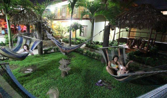 Hostel Backpackers La Fortuna - Search for free rooms and guaranteed low rates in Fortuna 35 photos