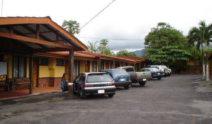 Hotel Arenal Rossi - Search for free rooms and guaranteed low rates in Fortuna, family friendly hotels in Fortuna, Costa Rica 7 photos