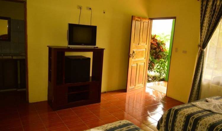 Hotel Lumbres del Arenal - Search for free rooms and guaranteed low rates in Fortuna 15 photos