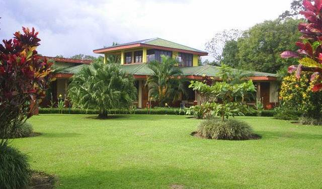Jardines Arenal Lodge - Get low hotel rates and check availability in Fortuna 6 photos