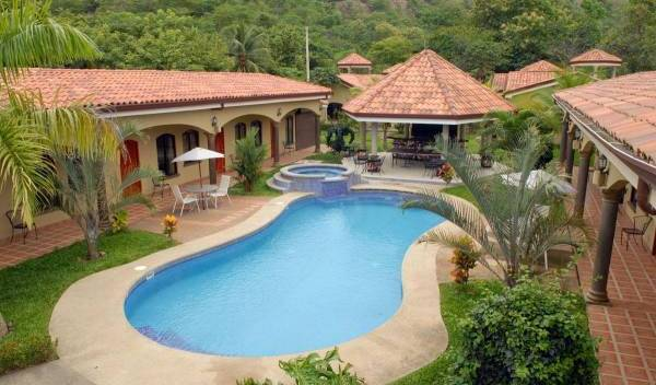Las Brisas Resort and Villas - Search for free rooms and guaranteed low rates in Pochotal 3 photos
