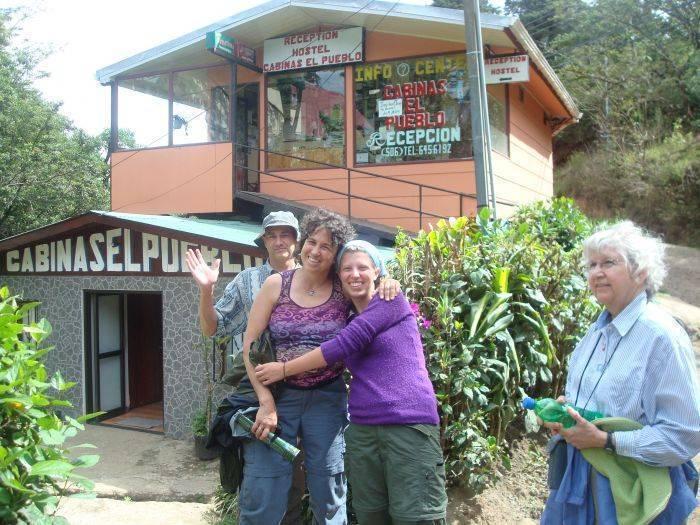 Hostel Cabinas El Pueblo, Santa Elena, Costa Rica, Costa Rica hotels and hostels