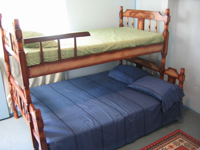 Hostel Punta De Monte, Alajuela, Costa Rica, hotels with free wifi and cable tv in Alajuela