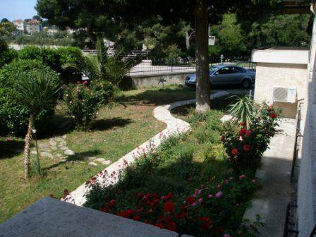 Angelica Apartments, Split, Croatia, hotels near tours and celebrities homes in Split