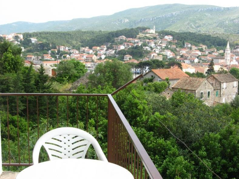 Apartment For 4 in Jelsa Island Hvar, Jelsa, Croatia, budget hotels in Jelsa