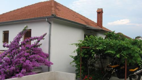 Apartment For 4 in Jelsa Island Hvar, Jelsa, Croatia, Croatia hotels and hostels
