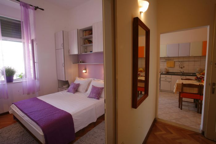 Apartment Marmont, Split, Croatia, low cost lodging in Split