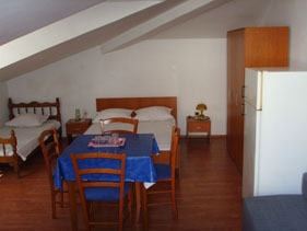 Apartments Gunjaca, Split, Croatia, hotels with handicap rooms and access for disabilities in Split