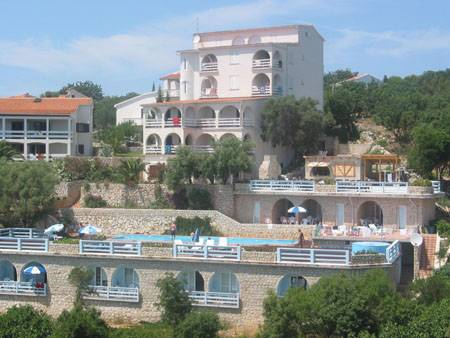 Apartments Macadams, Paganor, Croatia, secure online booking in Paganor