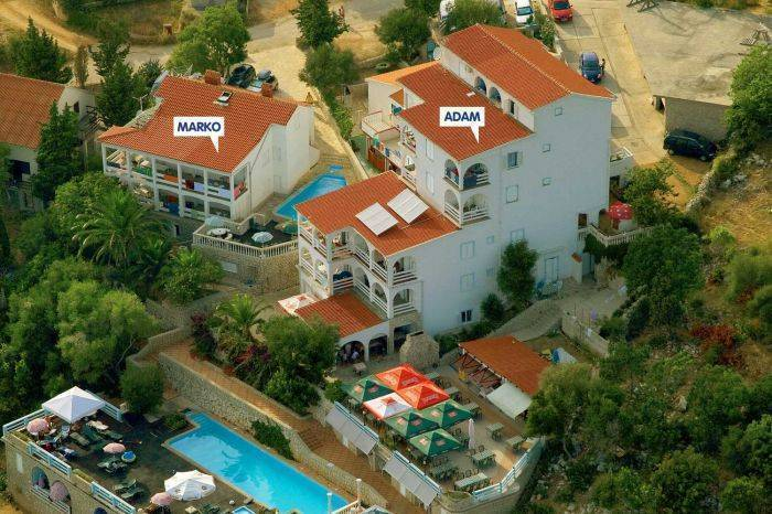 Apartments Macadams, Paganor, Croatia, Croatia hotels and hostels