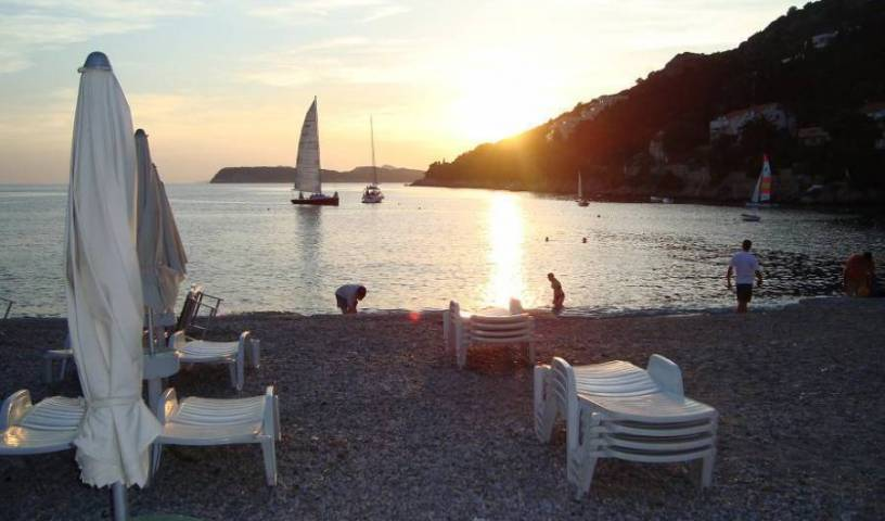 Apartment Marijana - Search available rooms for hotel and hostel reservations in Dubrovnik, relaxing hotels and hostels in Lapad, Croatia 8 photos