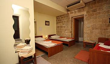 Split Youth Hostel - Search for free rooms and guaranteed low rates in Split 4 photos
