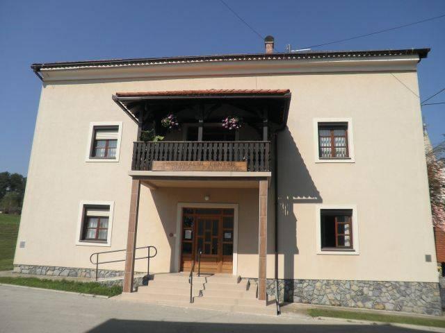 Hostel Stari Farof, Novigrad na Dobri, Croatia, save on hotels with Instant World Booking in Novigrad na Dobri