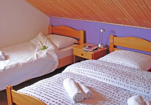 Hostel Villa ''Sunce'', Supetar, Croatia, Croatia hotels and hostels