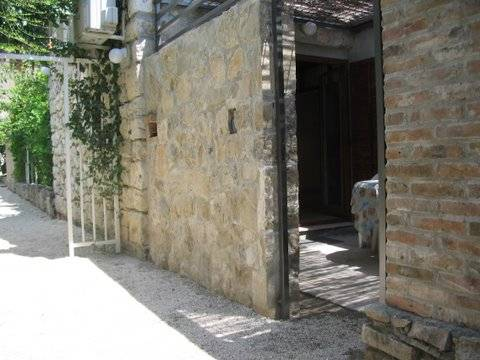Old Town Cottage with Garden, Split, Croatia, hostels, backpacking, budget accommodation, cheap lodgings, bookings in Split