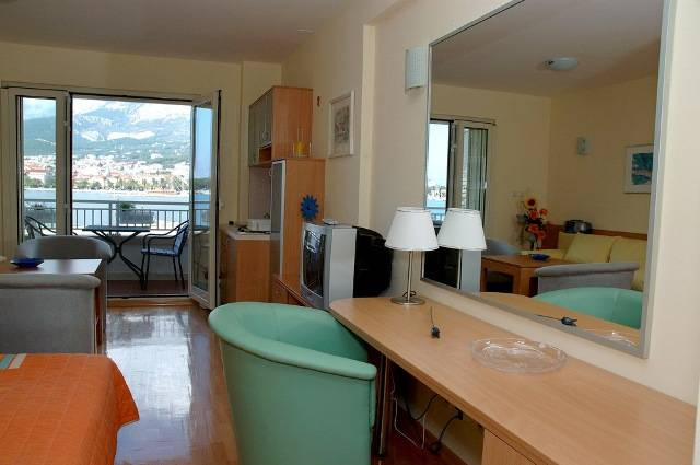 Studios Lulic, Makarska, Croatia, Croatia hotels and hostels