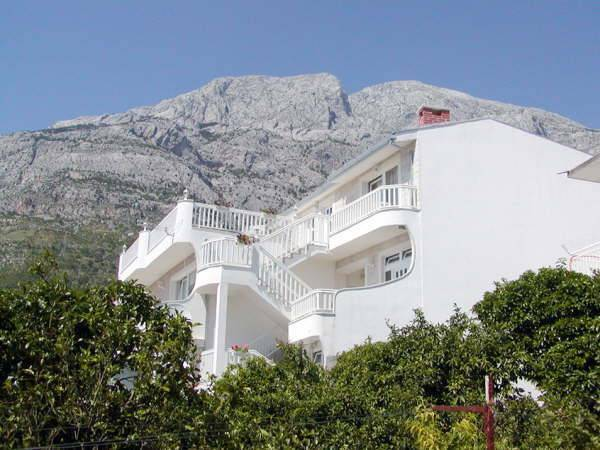 Villa Bonaca, Baska Voda, Croatia, safest places to visit and safe hotels in Baska Voda