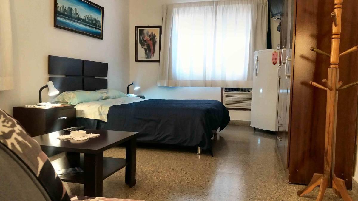 Alex B and B, Vedado, Cuba, Bedste tilbud på hoteller og vandrehjem i Vedado
