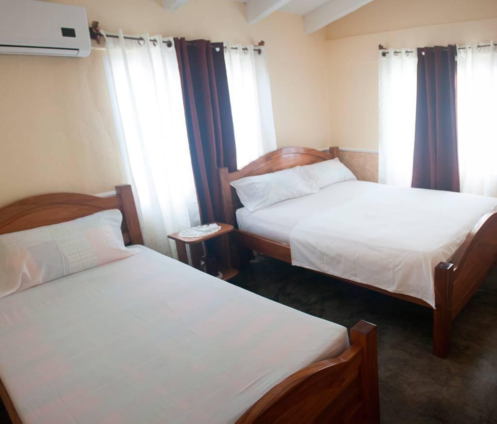 Casa Eduardo, Playa Larga, Cuba, budget hostels in Playa Larga