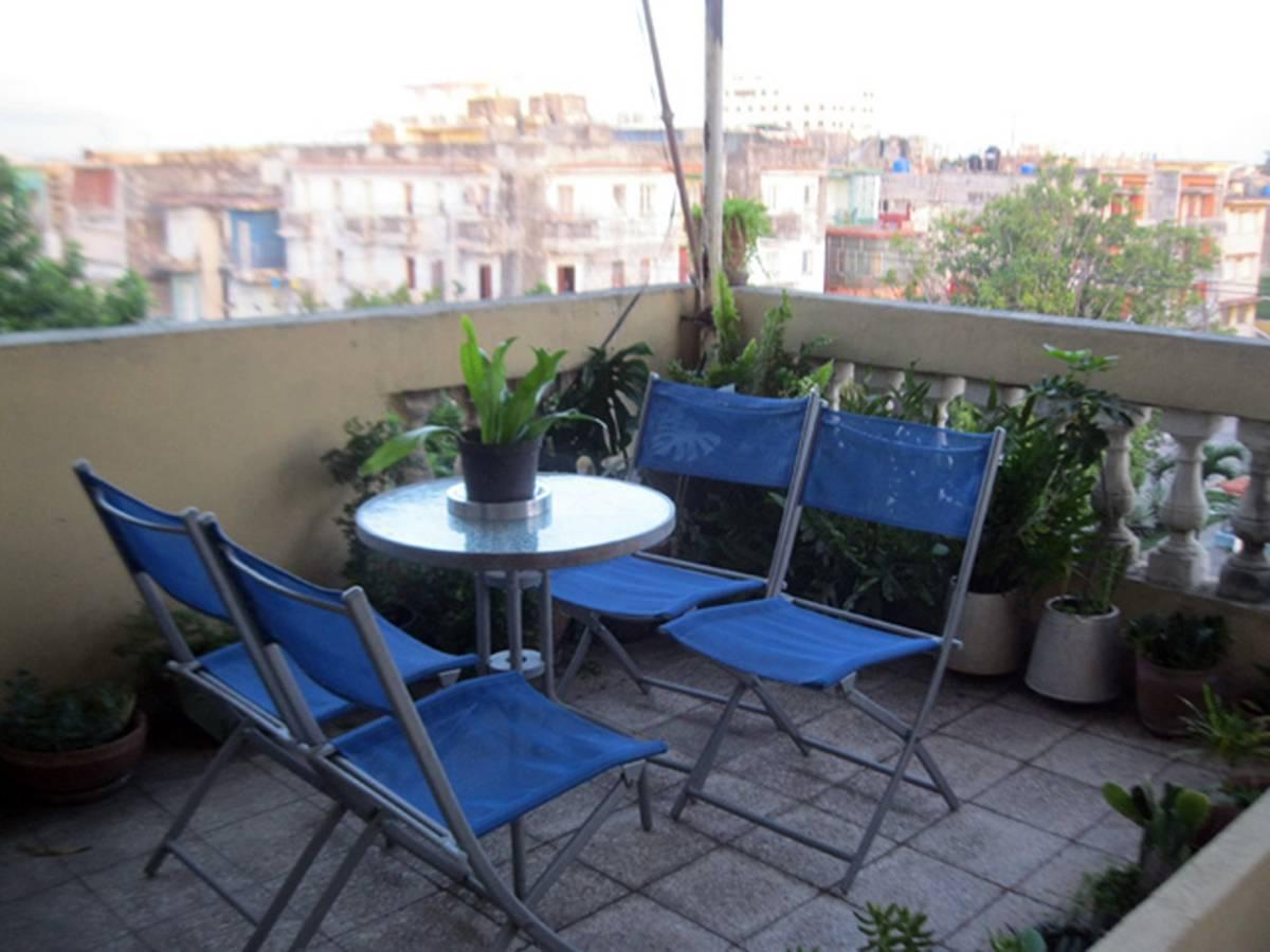 Casa Marta Ana, Alturas de la Habana, Cuba, find adventures nearby or in faraway places, book your hotel now in Alturas de la Habana