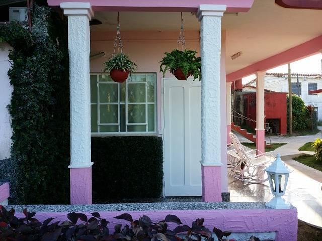 Casa Mirelia y Mayrelis, Vinales, Cuba, how to spend a holiday vacation in a hotel in Vinales